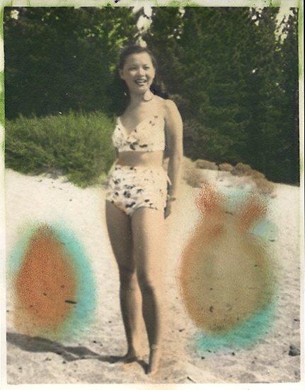 rj.beach.lady