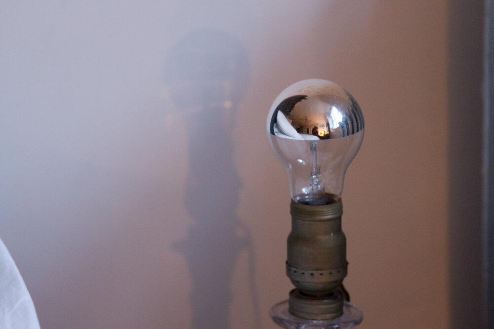 light_bulb__reading_my_tea_leaves_0670