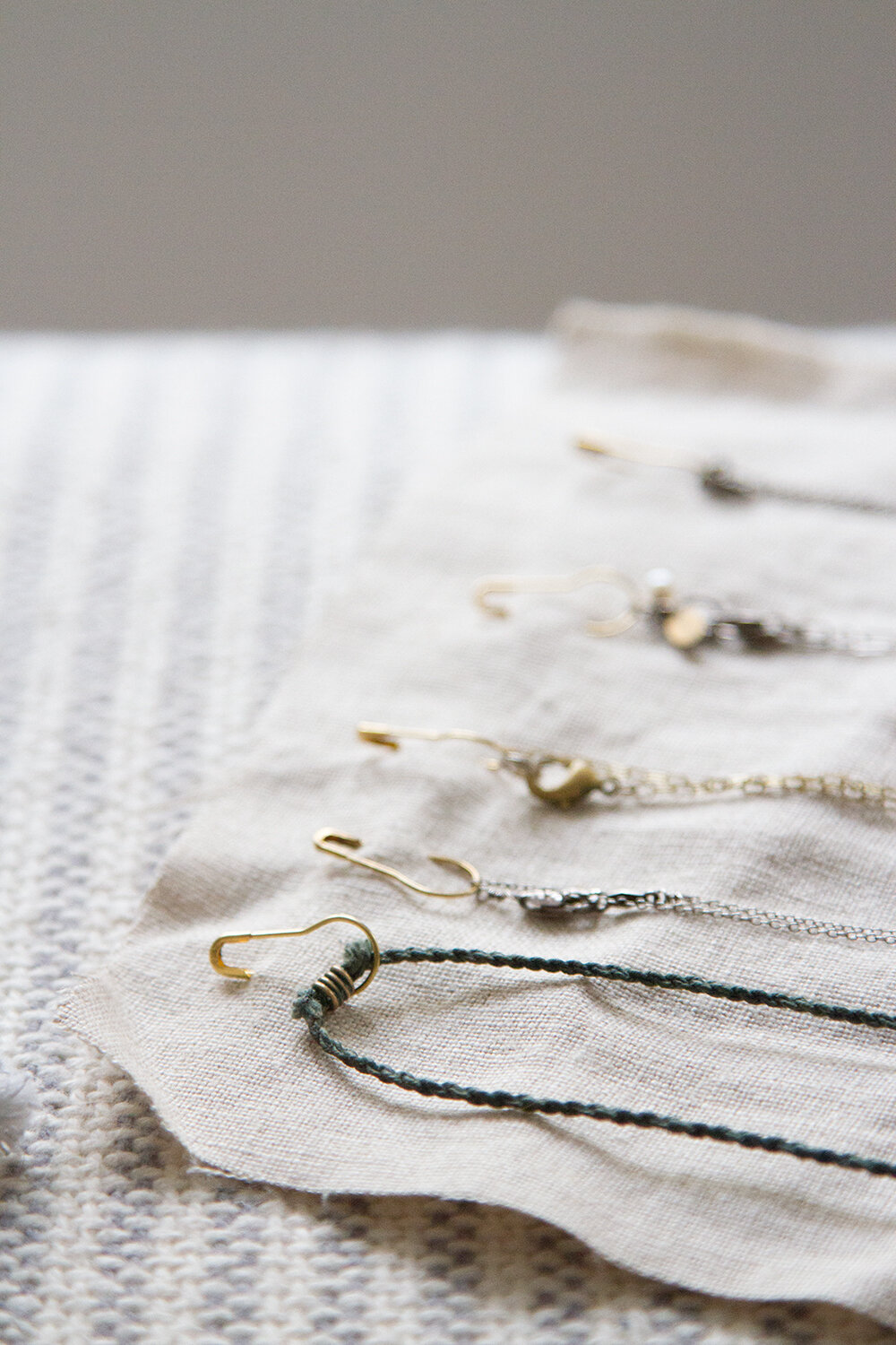necklace organizer | reading my tea leaves