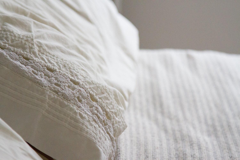 pillow_reading_my_tea_leaves_IMG_4607
