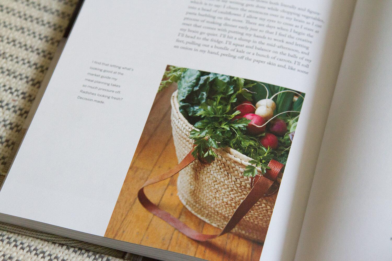 book_reading_y_tea_leaves_IMG_6919