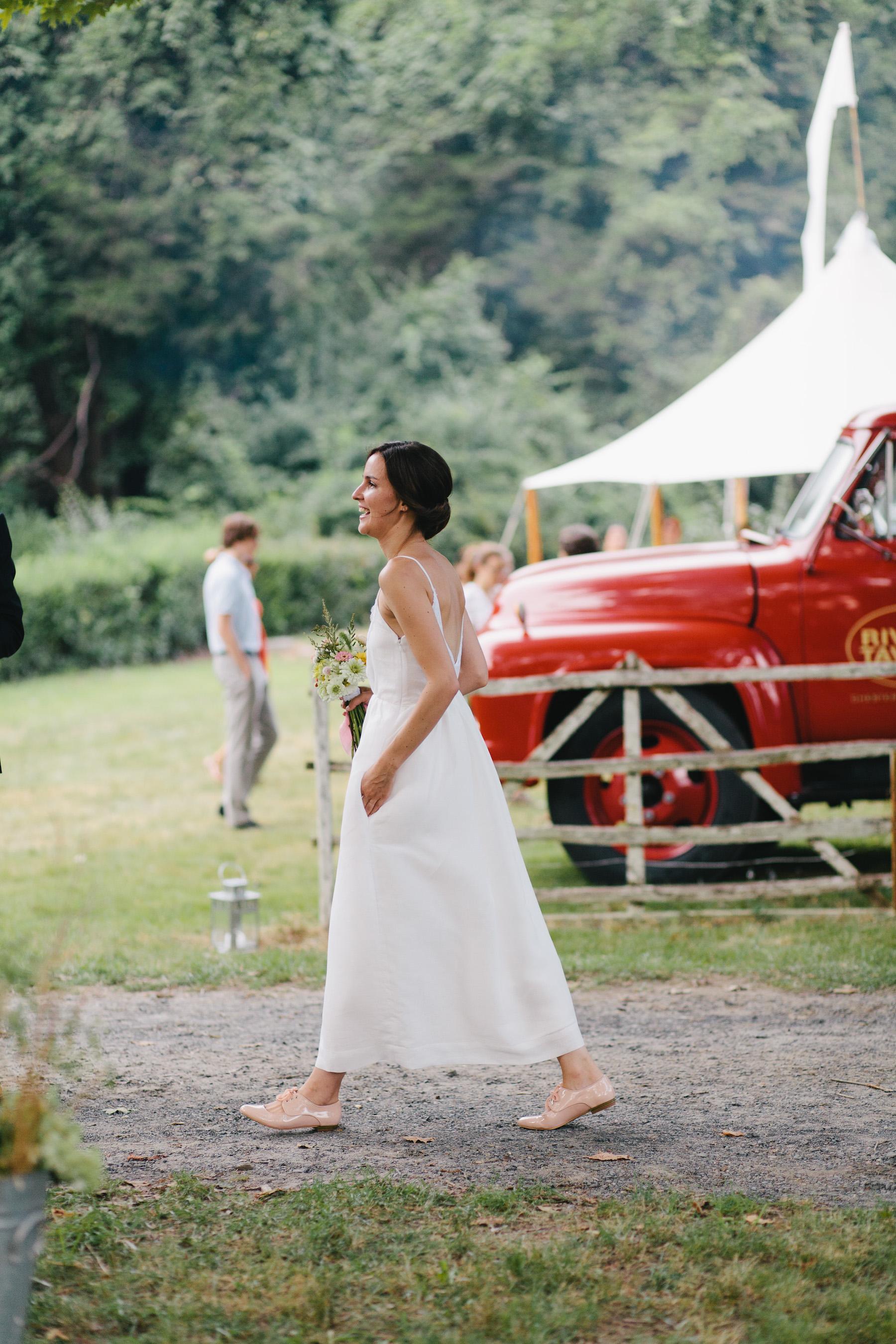growing a minimalist wardrobe: summer weddings   reading my tea leaves