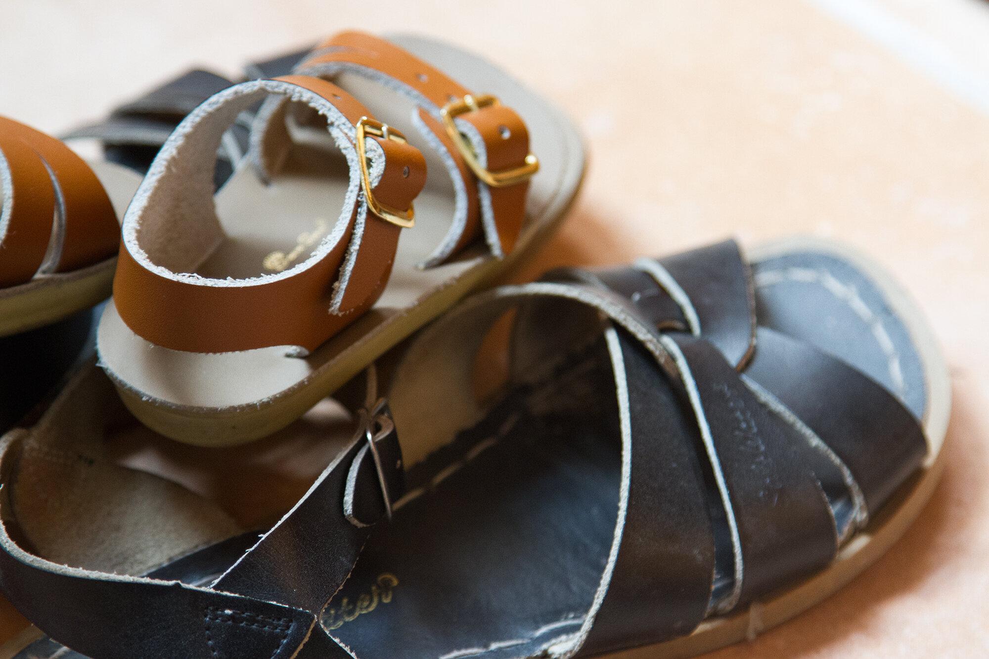 sandals_reading_my_tea_leaves_IMG_1194