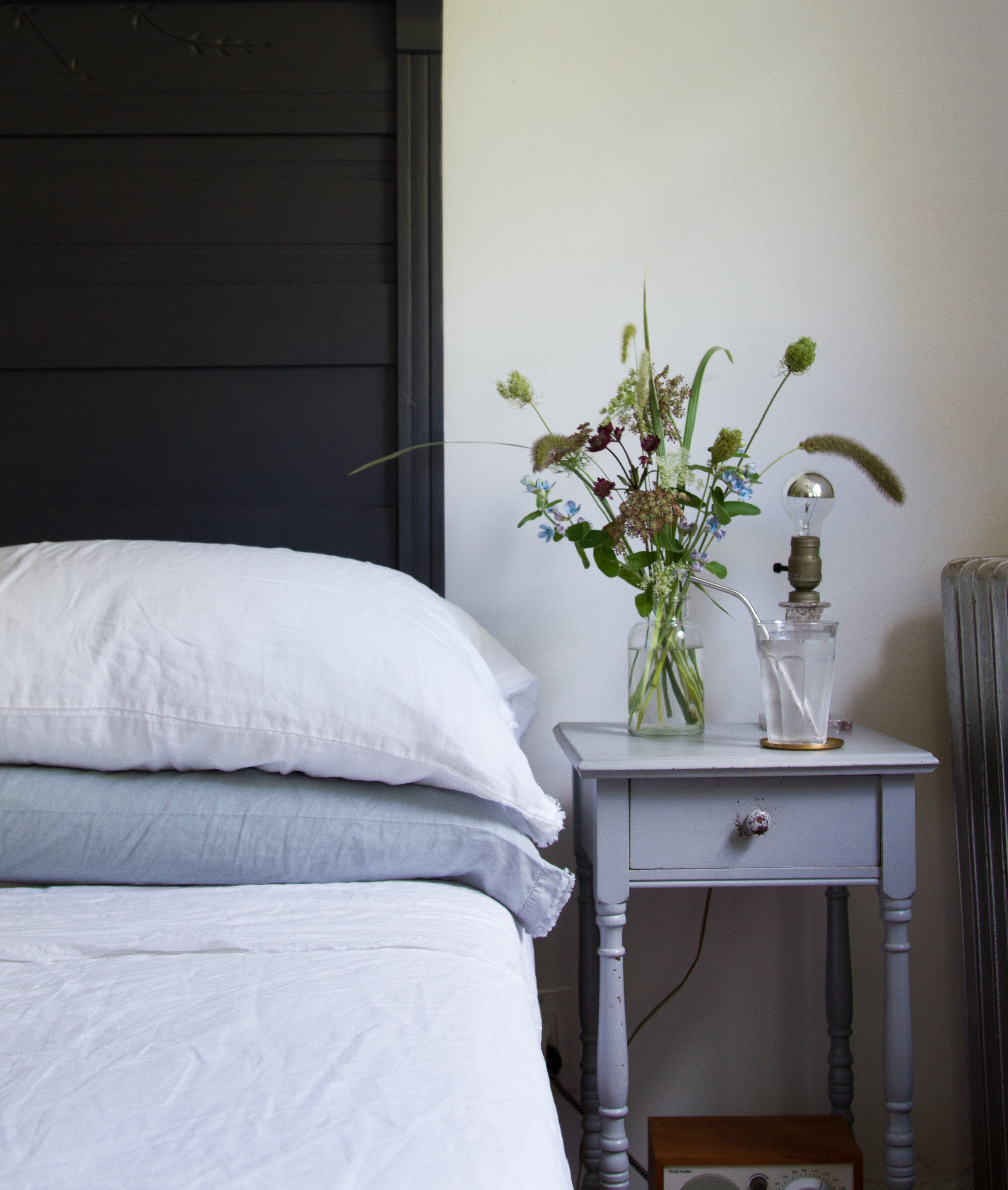 linen bed sheets from garnet hill's eileen fisher collection |reading my tea leaves