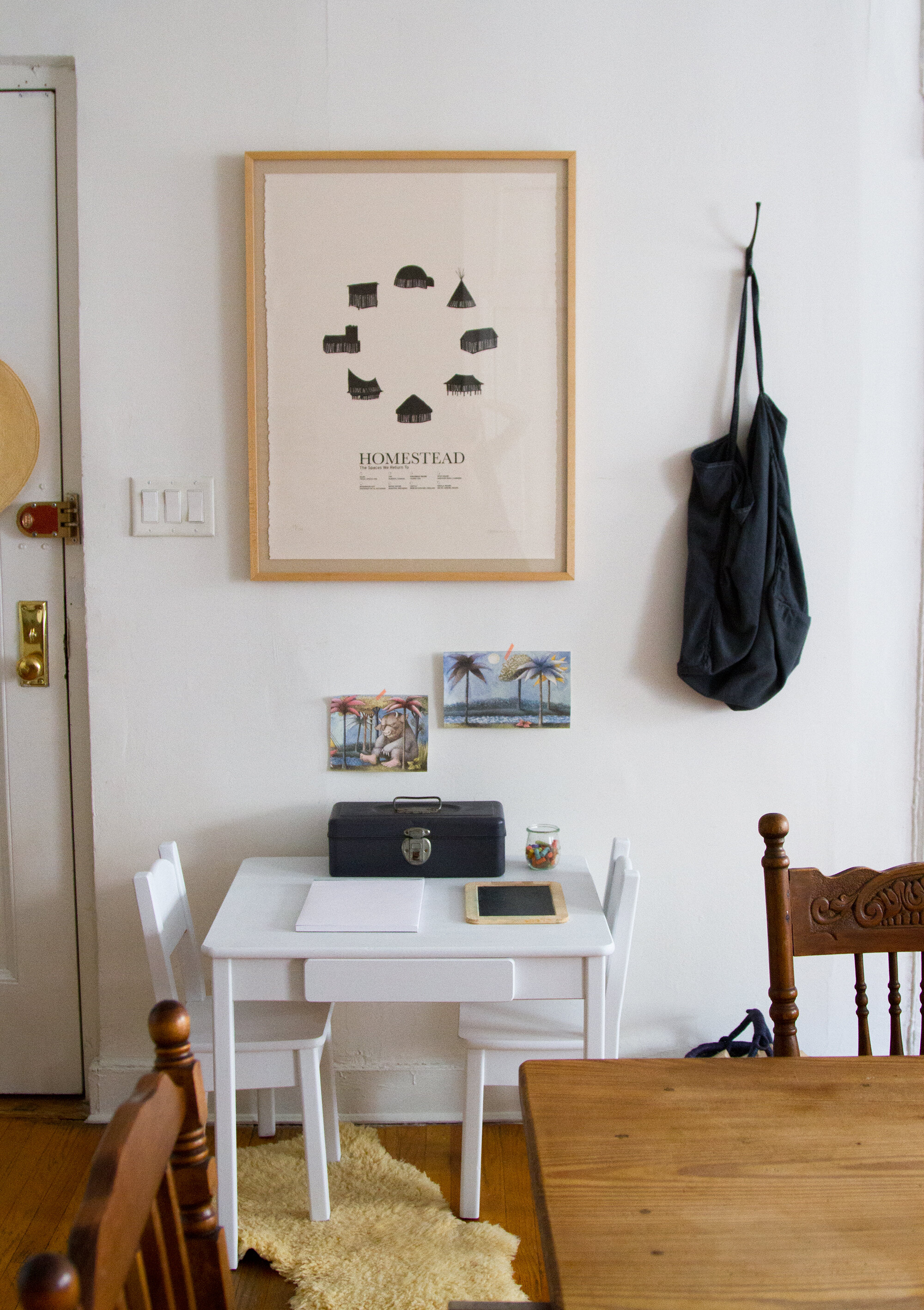 life in a tiny apartment | reading my tea leaves
