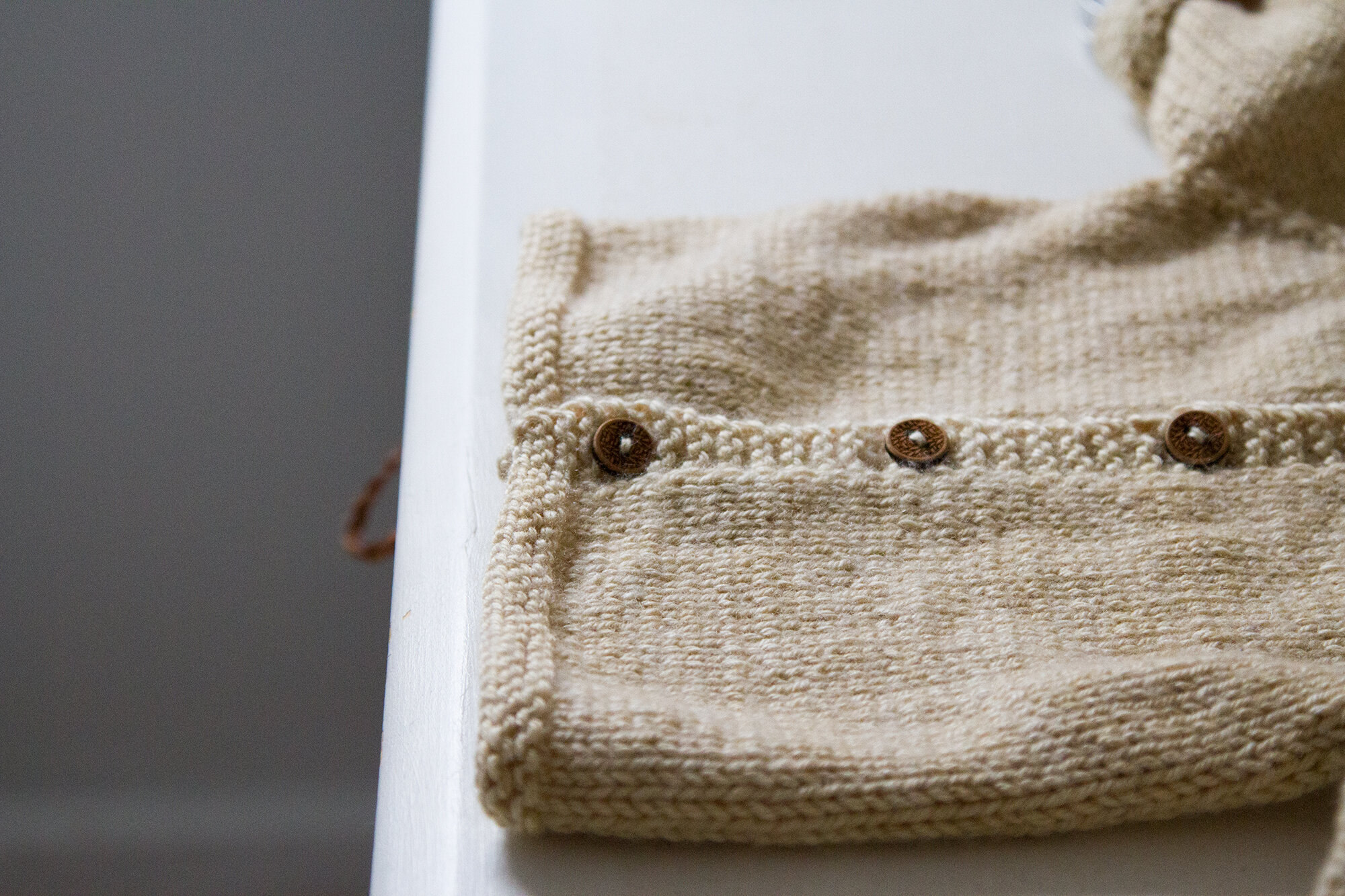 baby sweater | reading my tea leaves