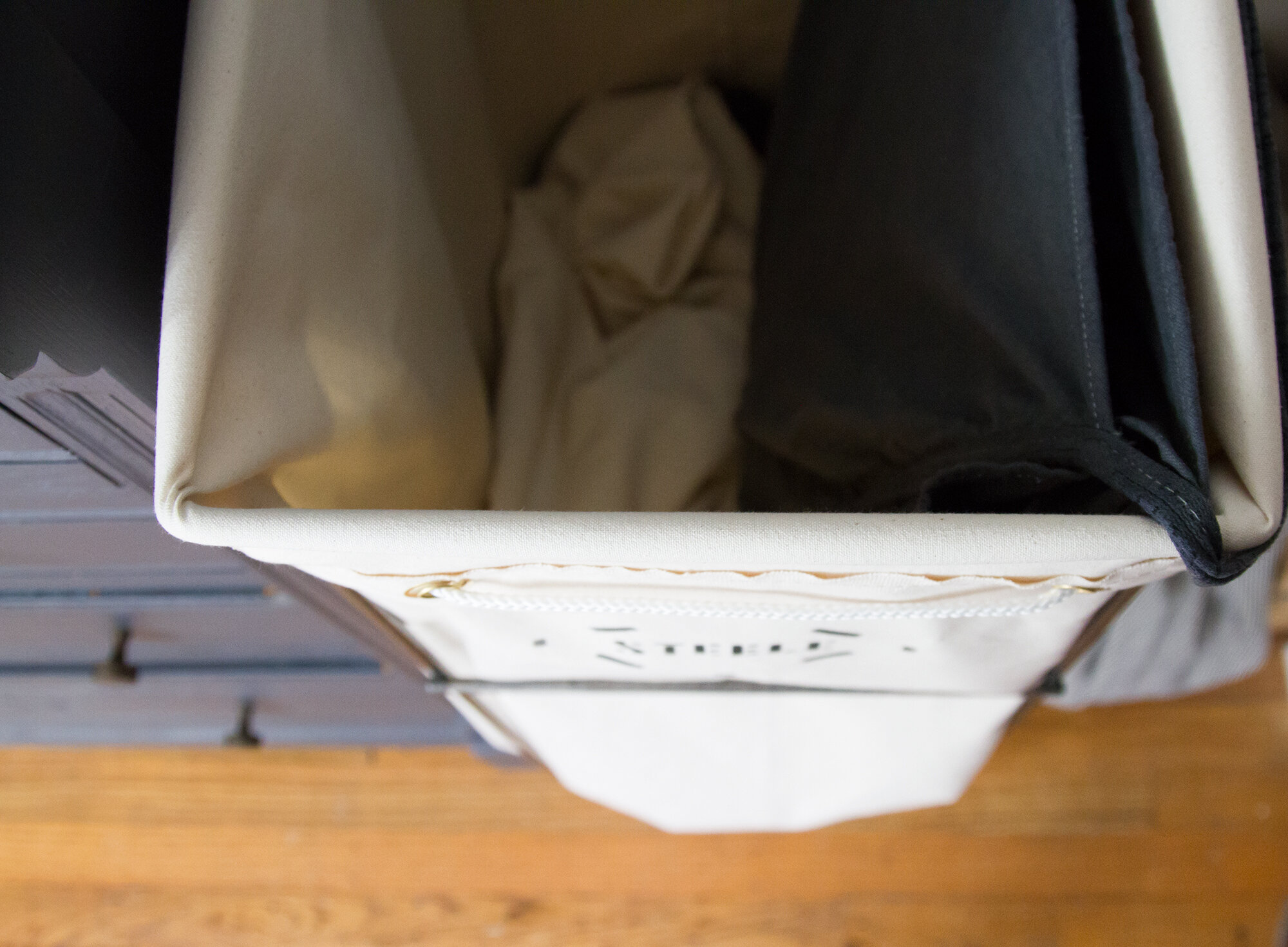 simple stuff: laundry hampers | reading my tea leaves