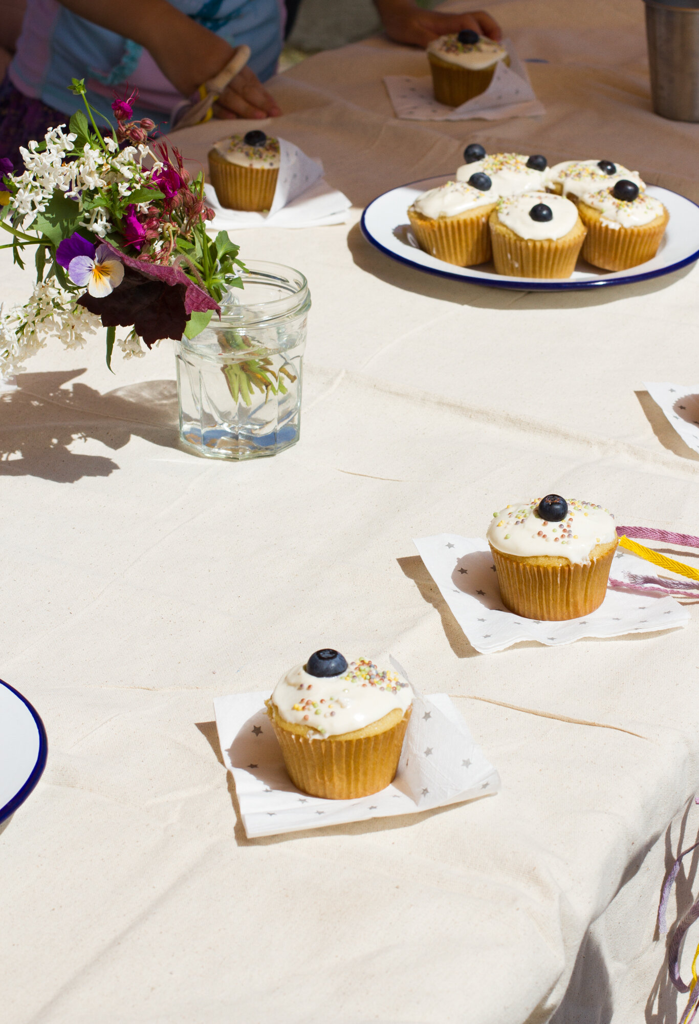 simple birthday party | reading my tea leaves