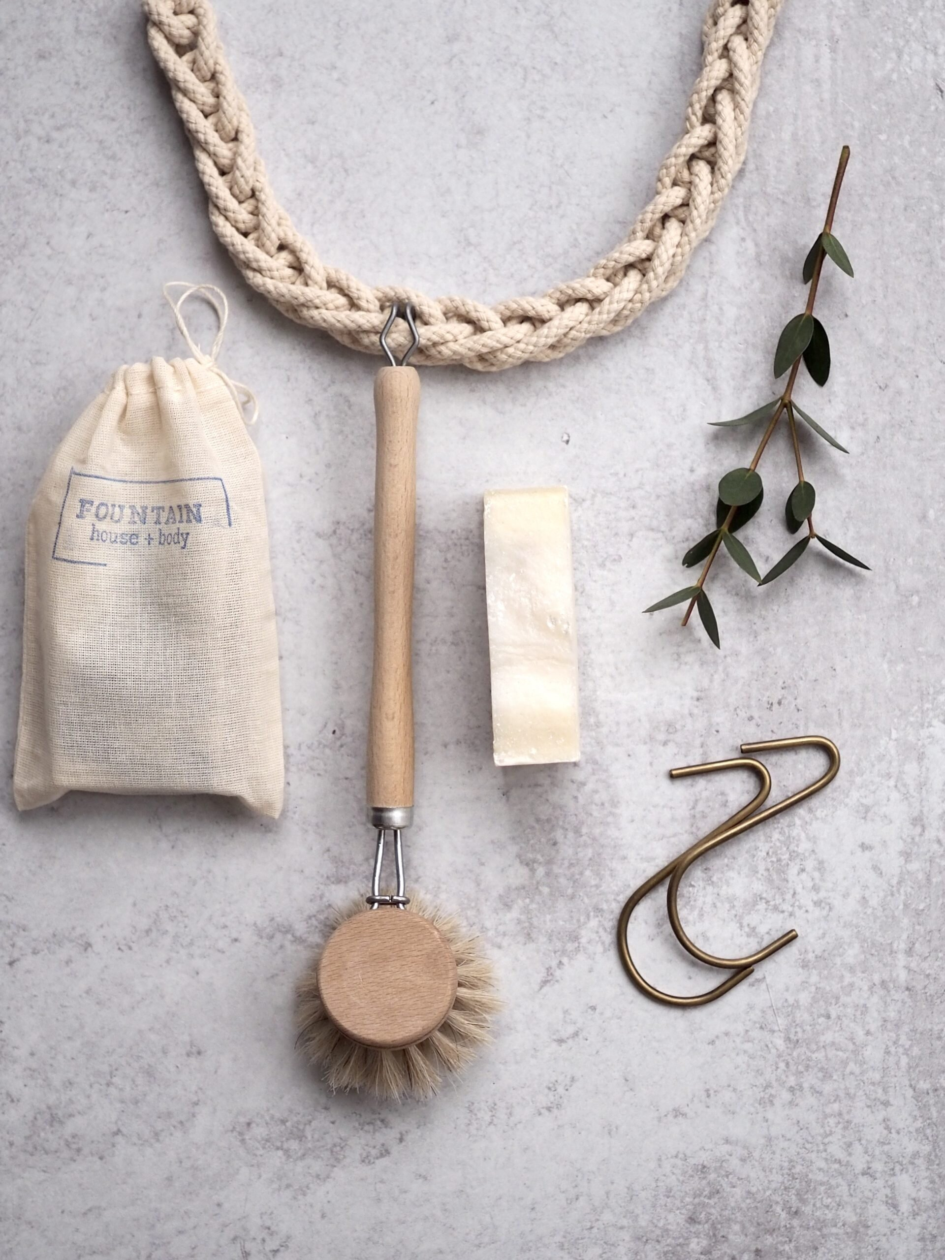 giving: a corded rope | reading my tea leaves holiday gift guide with rose pearlman