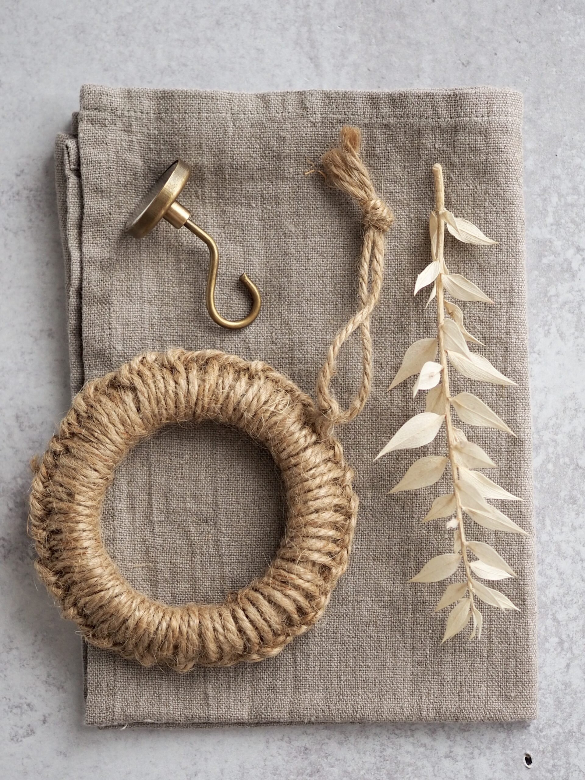 giving a handmade trivet | reading my tea leaves