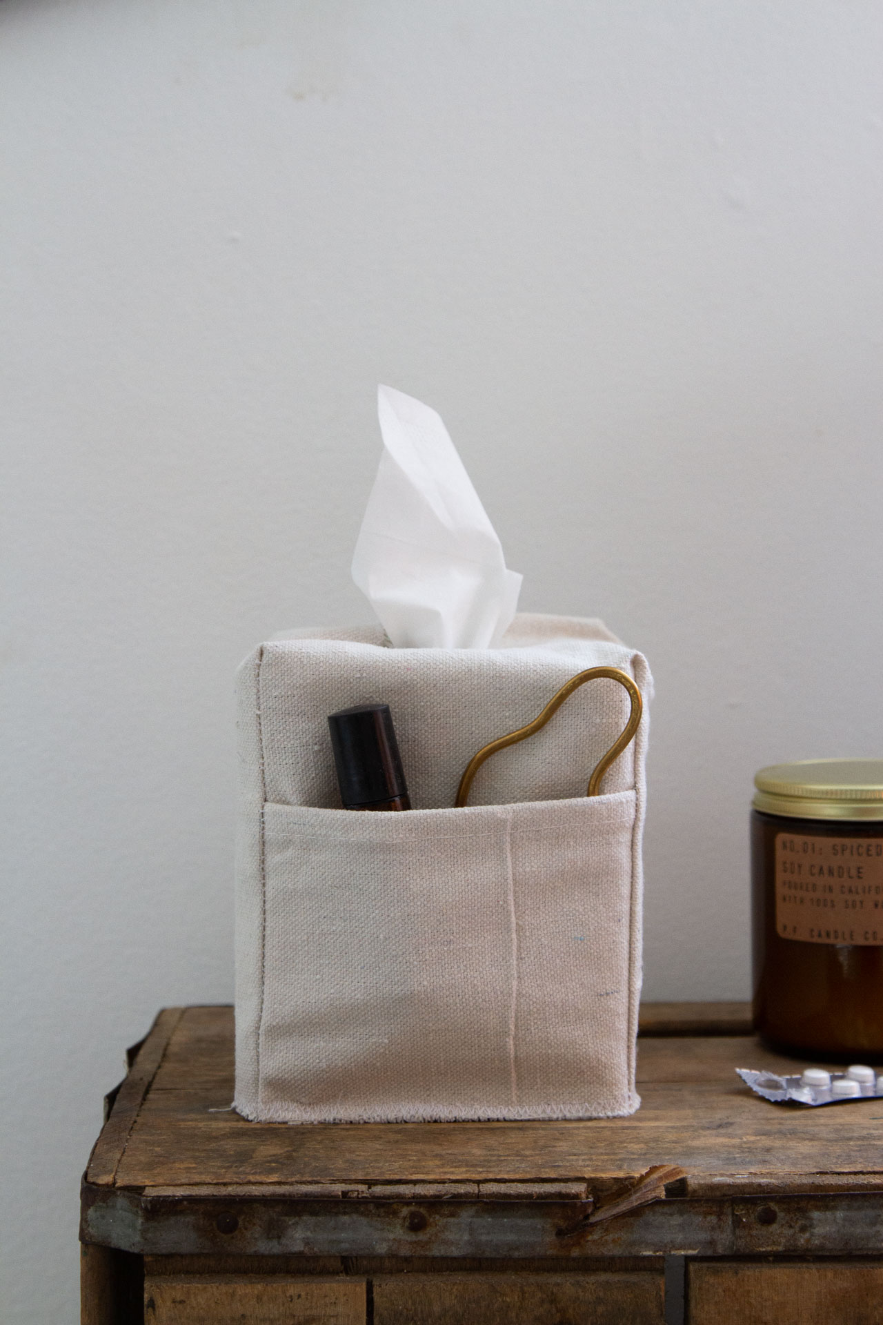 make your own canvas tissue box cover with pockets   reading my tea leaves